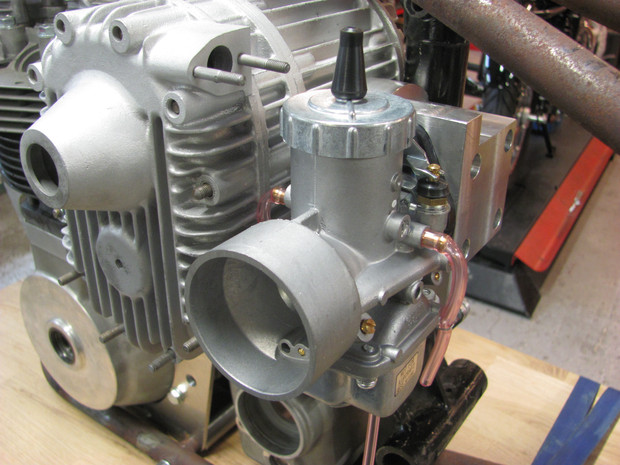 Carburetor Mikuni VM 36 in place on the blower.